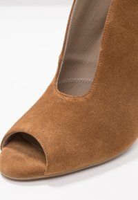 Toral - High Heel Stiefelette - basket cognac - 2