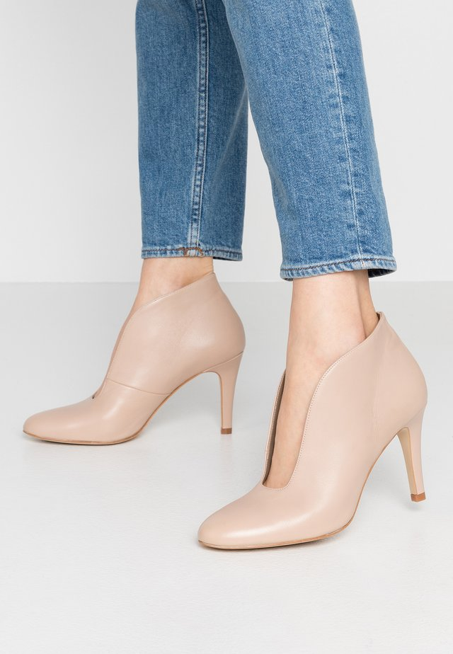 High heeled ankle boots - seta old rose