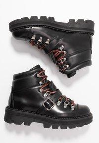 Toral - Platåstøvletter - black - 3