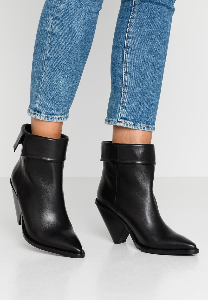 Toral - Classic ankle boots - black