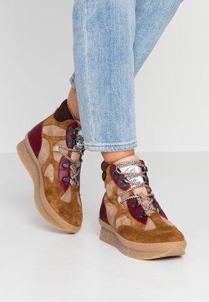 Ankle boots - basket/cognac