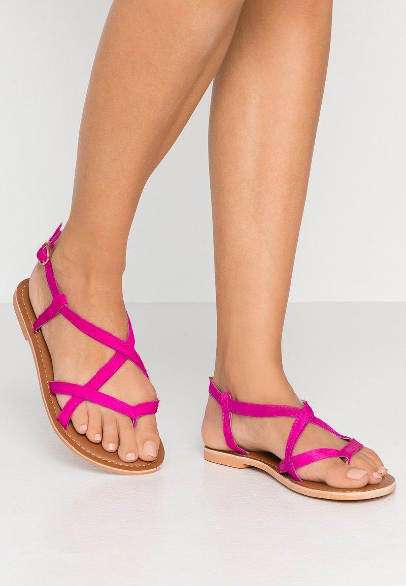 Topshop Wide Fit - WIDE FIT HAZY - Sandály s odděleným palcem - pink