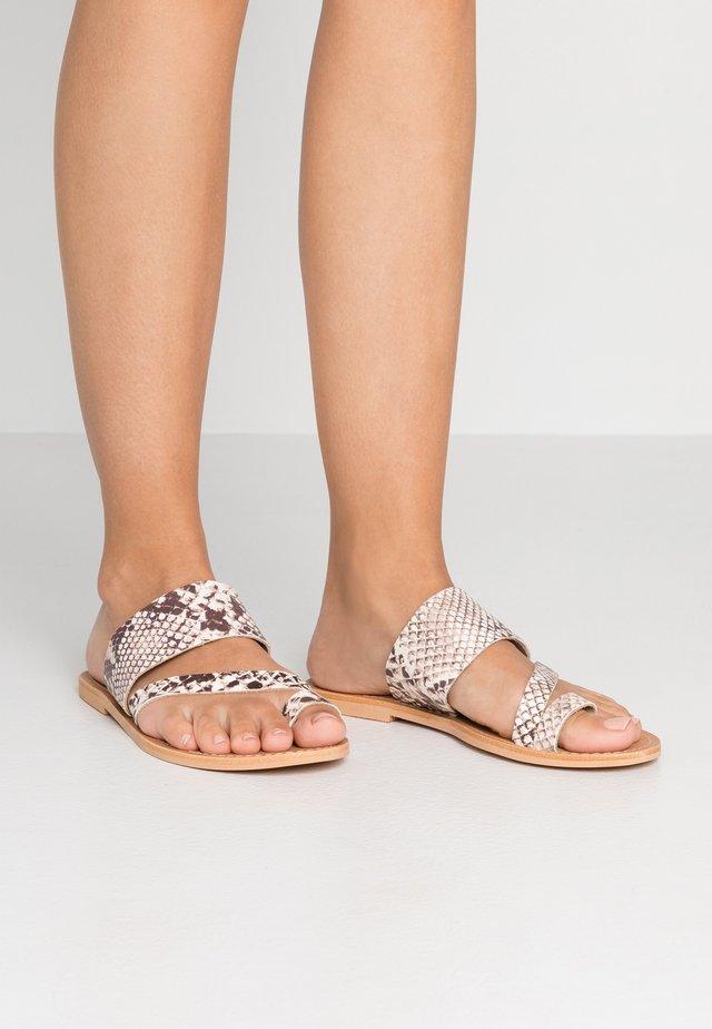 WIDE FIT HOPE  - T-bar sandals - natural