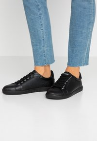 Topshop Wide Fit - WIDE FIT COLA - Baskets basses - black - 0