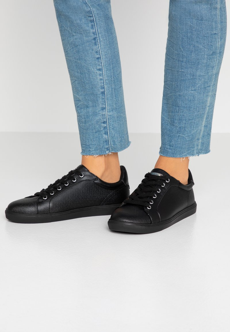 Topshop Wide Fit - WIDE FIT COLA - Baskets basses - black