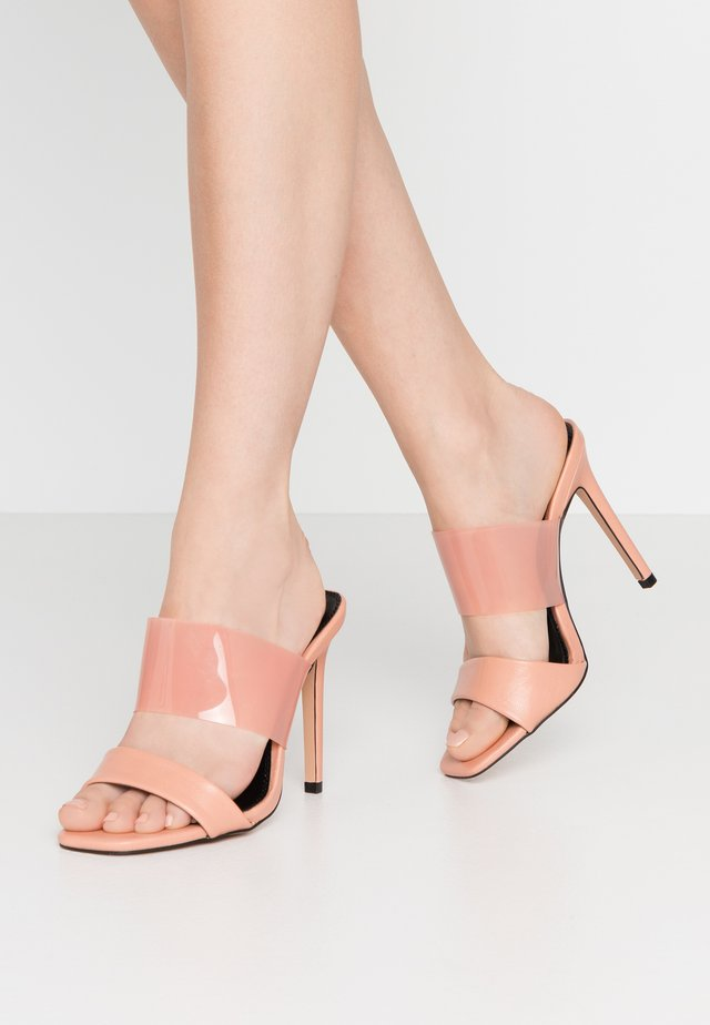 WIDE FIT STELLA PERSPEX MULE - Korolliset pistokkaat - blush