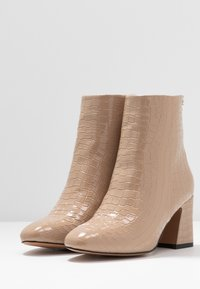 Topshop Wide Fit - WIDE FIT BELIZE BOOT - Classic ankle boots - taupe - 4