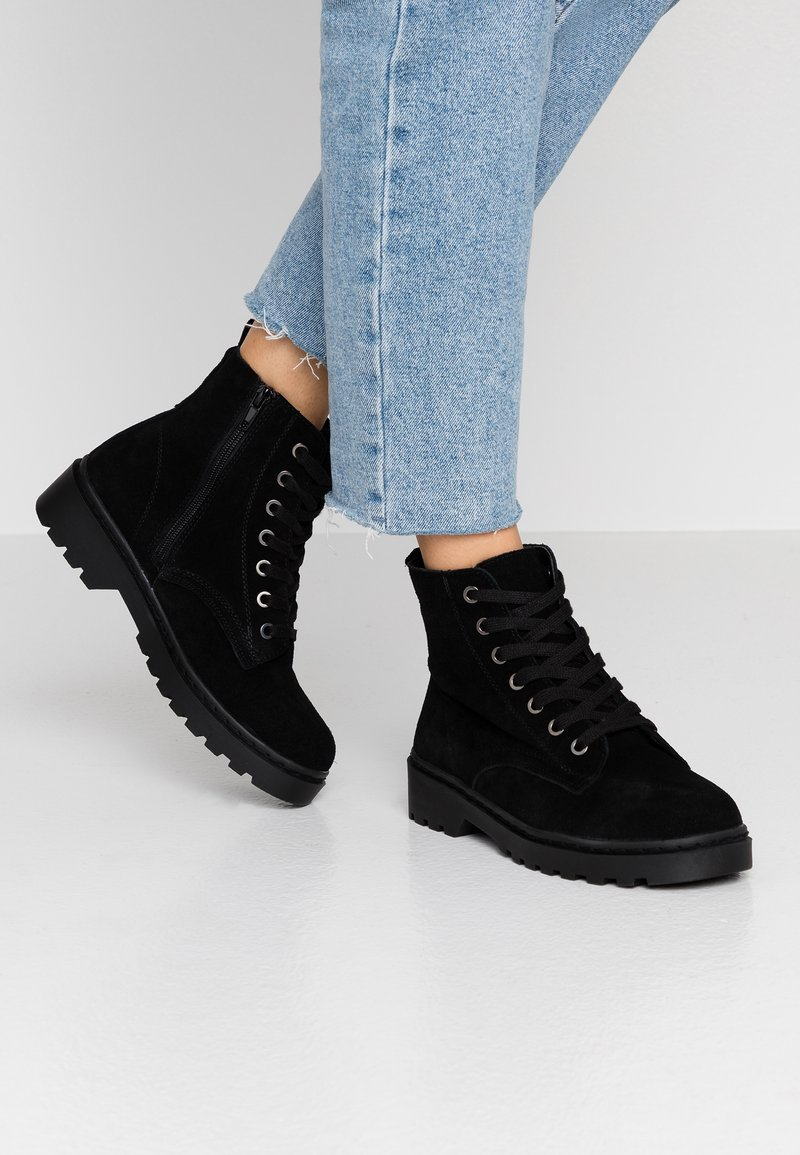 Topshop Wide Fit - WIDE FIT BUMBLE LACE UP BOOT - Lace-up ankle boots - black