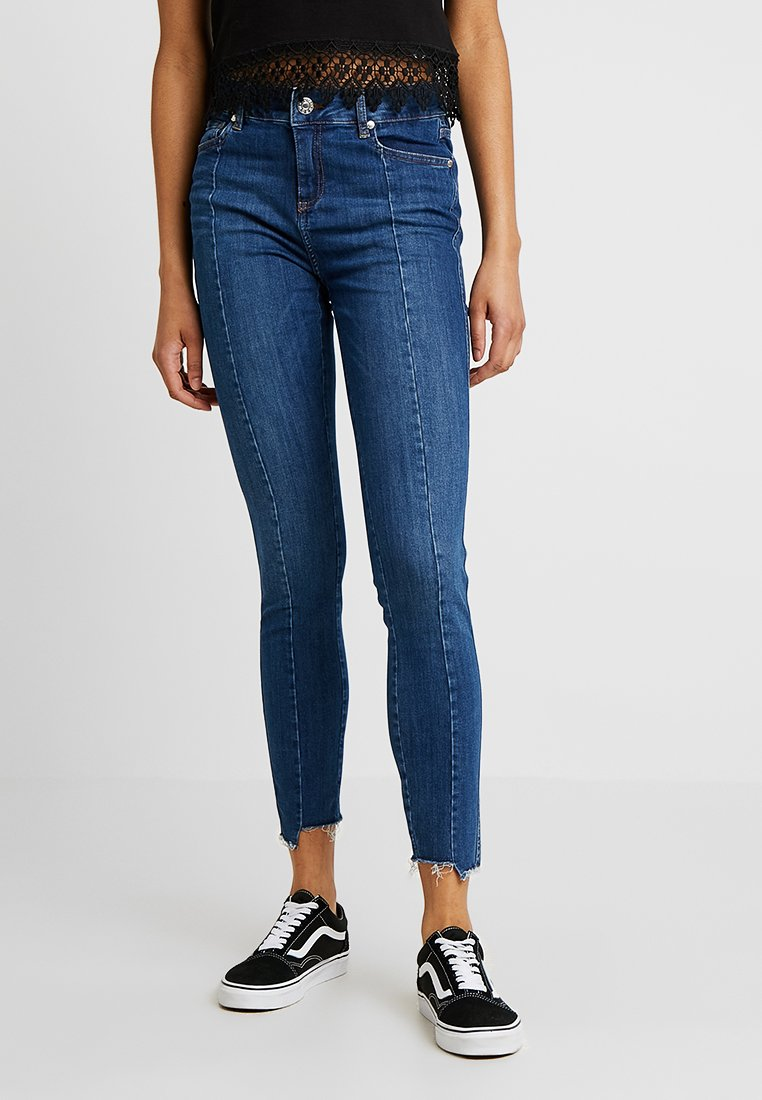 Tomorrow - DYLAN CROPPED - Jeans Skinny Fit - denim blue