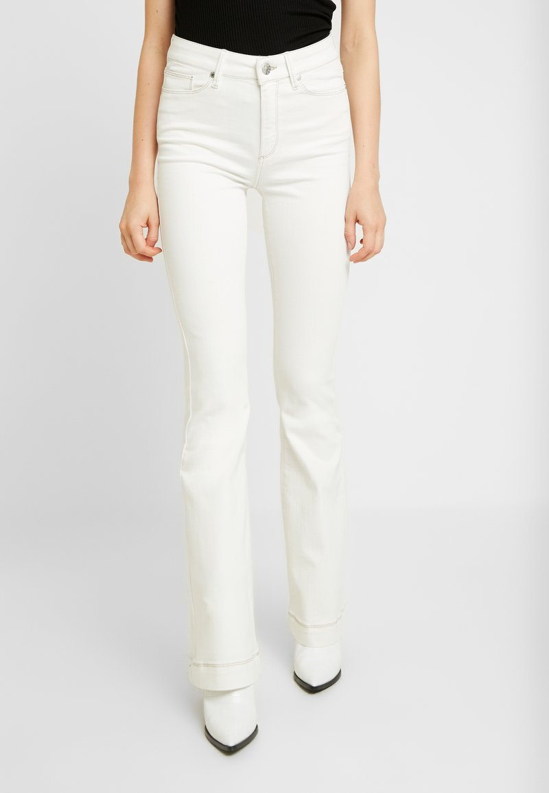 Tomorrow - ALBERT FLARE ANTIQUE - Flared Jeans - ecru