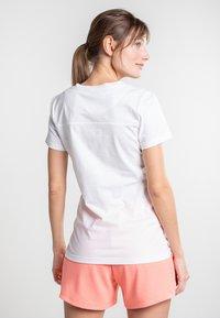 Torstai - KIRINDA - Print T-shirt - natural white - 2