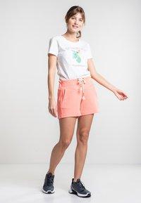 Torstai - KIRINDA - Print T-shirt - natural white - 1