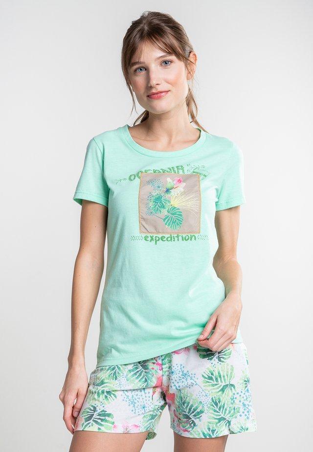 KIRINDA - Print T-shirt - green