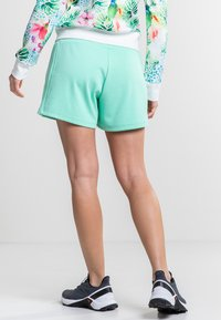 Torstai - MADIKERI - Sports shorts - green - 2