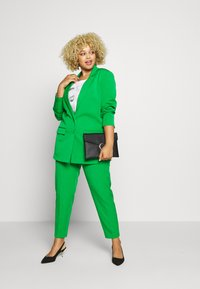MY TRUE ME TOM TAILOR - SLEEK SUIT PANTS - Kangashousut - gras green - 1
