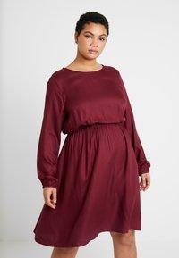 MY TRUE ME TOM TAILOR - FLUENT ELASTIC WAIST DRESS - Day dress - deep burgundy red - 0