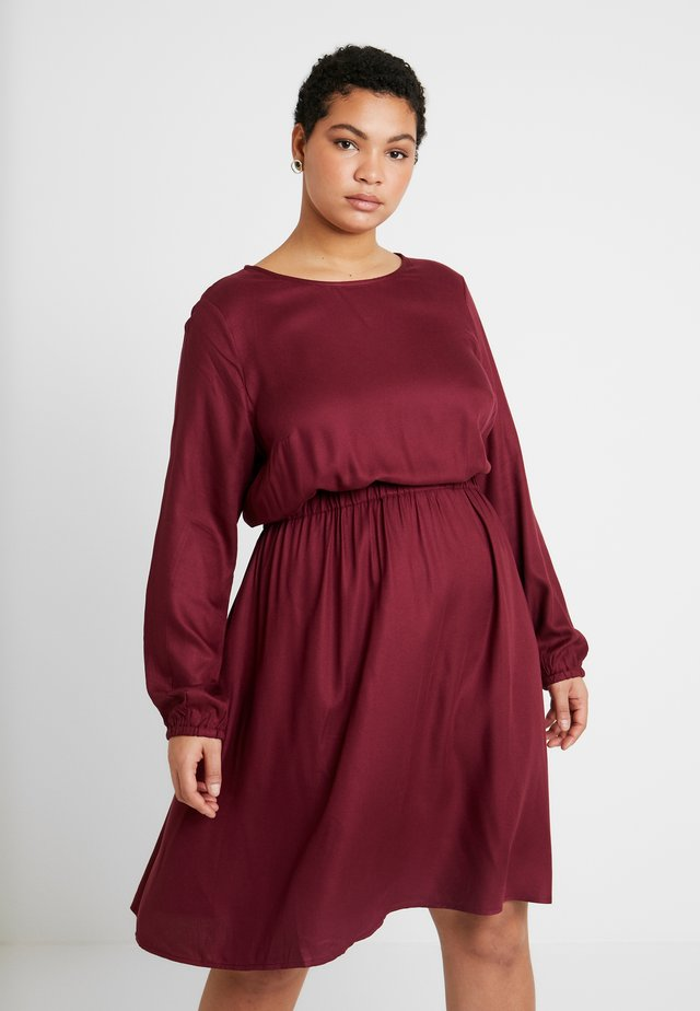 FLUENT ELASTIC WAIST DRESS - Day dress - deep burgundy red