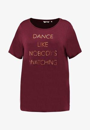 T-shirts print - deep burgundy red