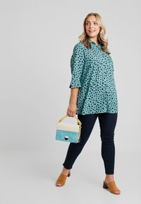 MY TRUE ME TOM TAILOR - PRINTED LONG TUNIC - Button-down blouse - mint navy - 1