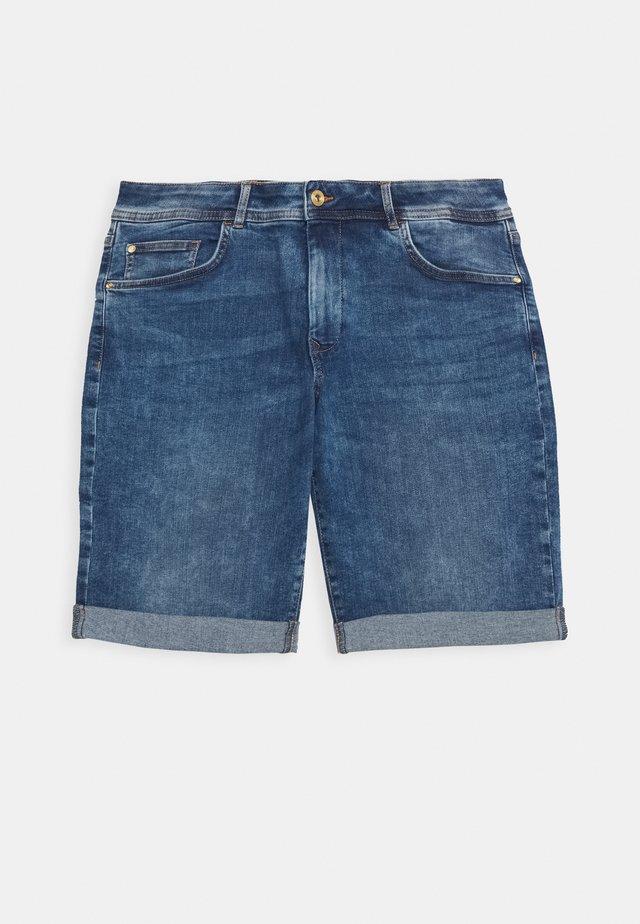 SLIM FIT - Denim shorts - clean mid stone blue denim