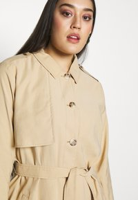 MY TRUE ME TOM TAILOR - FLUENT TRENCH COAT - Trench - cream toffee - 4