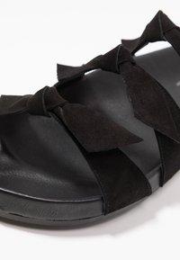 Toral Wide Fit - WIDE FIT - Ciabattine - black - 2