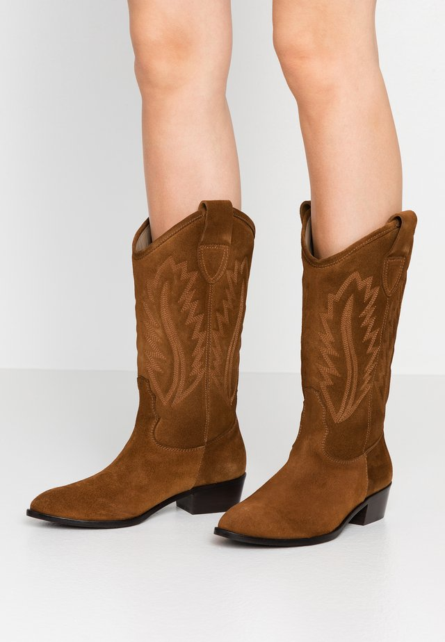 WIDE FIT  - Cowboy- / Bikerboots - basket cognac