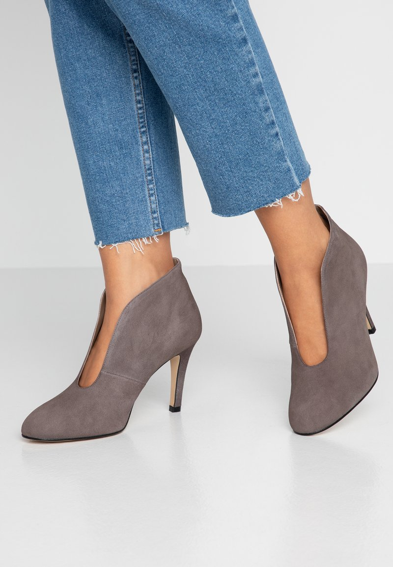 Toral Wide Fit - Ankle boots - light grey