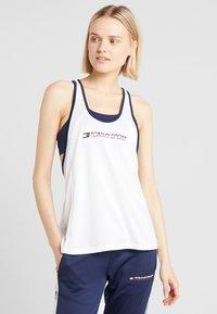 Tommy Sport - FLAG TAPE TANK  - Treningsskjorter - white - 0