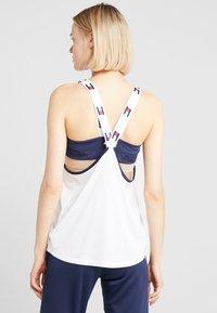 Tommy Sport - FLAG TAPE TANK  - Treningsskjorter - white - 2