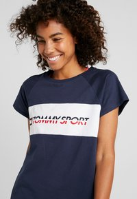 Tommy Sport - BLOCKED TEE LOGO - T-shirt con stampa - blue - 4