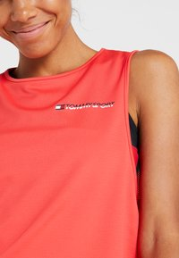 Tommy Sport - CROPPED TANK TOP LOGO - Sportshirt - red - 4