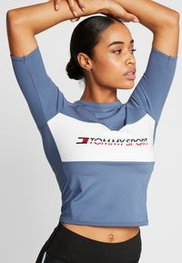 Tommy Sport - TIGHT TEE - Printtipaita - blue - 0