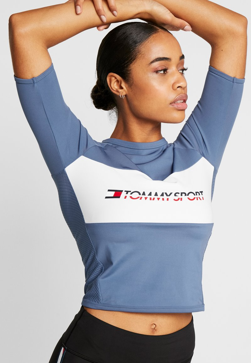 Tommy Sport - TIGHT TEE - Printtipaita - blue