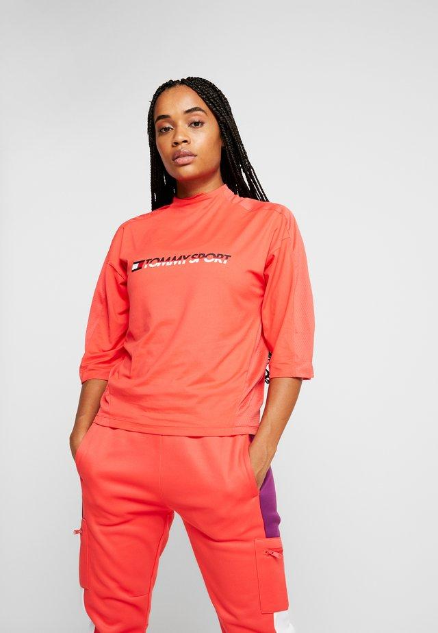 3/4 SLEEVE TEE - Print T-shirt - red