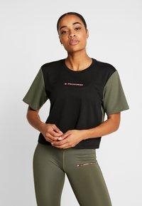 Tommy Sport - BOXY SHORT SLEEVE - T-shirt print - green - 0