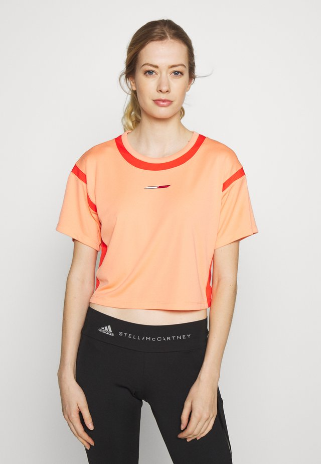 FASHION CROPPED TOP - T-shirt med print - orange