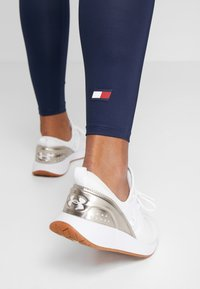 Tommy Sport - HIGHWAIST LEGGING LOGO - Tights - blue - 3