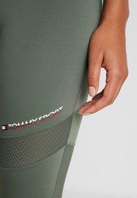 Tommy Sport - BLOCKED FULL LENGTH - Collants - green - 4