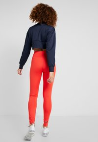 Tommy Sport - LEGGING HIGHWAIST LOGO - Punčochy - red - 2