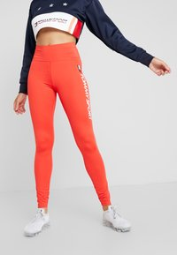 Tommy Sport - LEGGING HIGHWAIST LOGO - Punčochy - red - 0