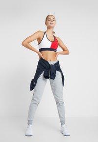 Tommy Sport - BIG LOGO - Pantalones deportivos - grey - 1