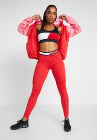 Tommy Sport - TAPE LEGGING - Legging - red - 1