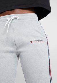 Tommy Sport - JOGGER WITH TAPE - Joggebukse - grey - 3