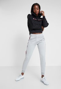 Tommy Sport - JOGGER WITH TAPE - Joggebukse - grey - 1