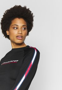 Tommy Sport - BASE LAYER WITH TAPE - Long sleeved top - black - 3