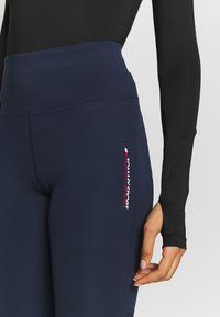 Tommy Sport - GLOW HIGHWAIST LEGGING - Legging - blue - 5