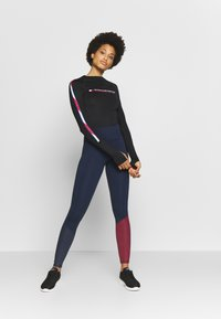 Tommy Sport - GLOW HIGHWAIST LEGGING - Legging - blue - 1