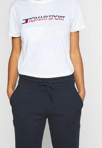 Tommy Sport - CUFF LOGO - Teplákové kalhoty - blue - 3