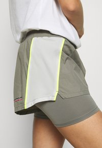 Tommy Sport - SHORTS - Sports shorts - grey - 3